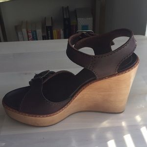Chloé size 40 brown leather wedges
